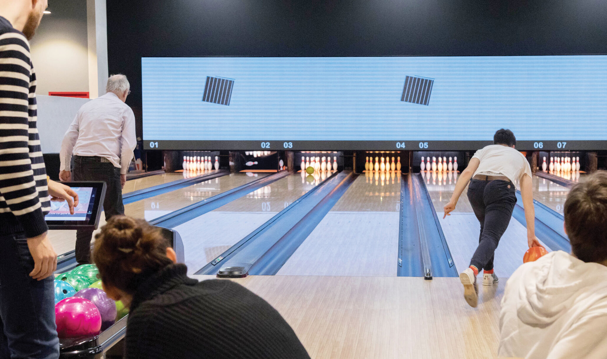 1055 Bourg, Bourg En Bresse, France - Customers Bowling-1