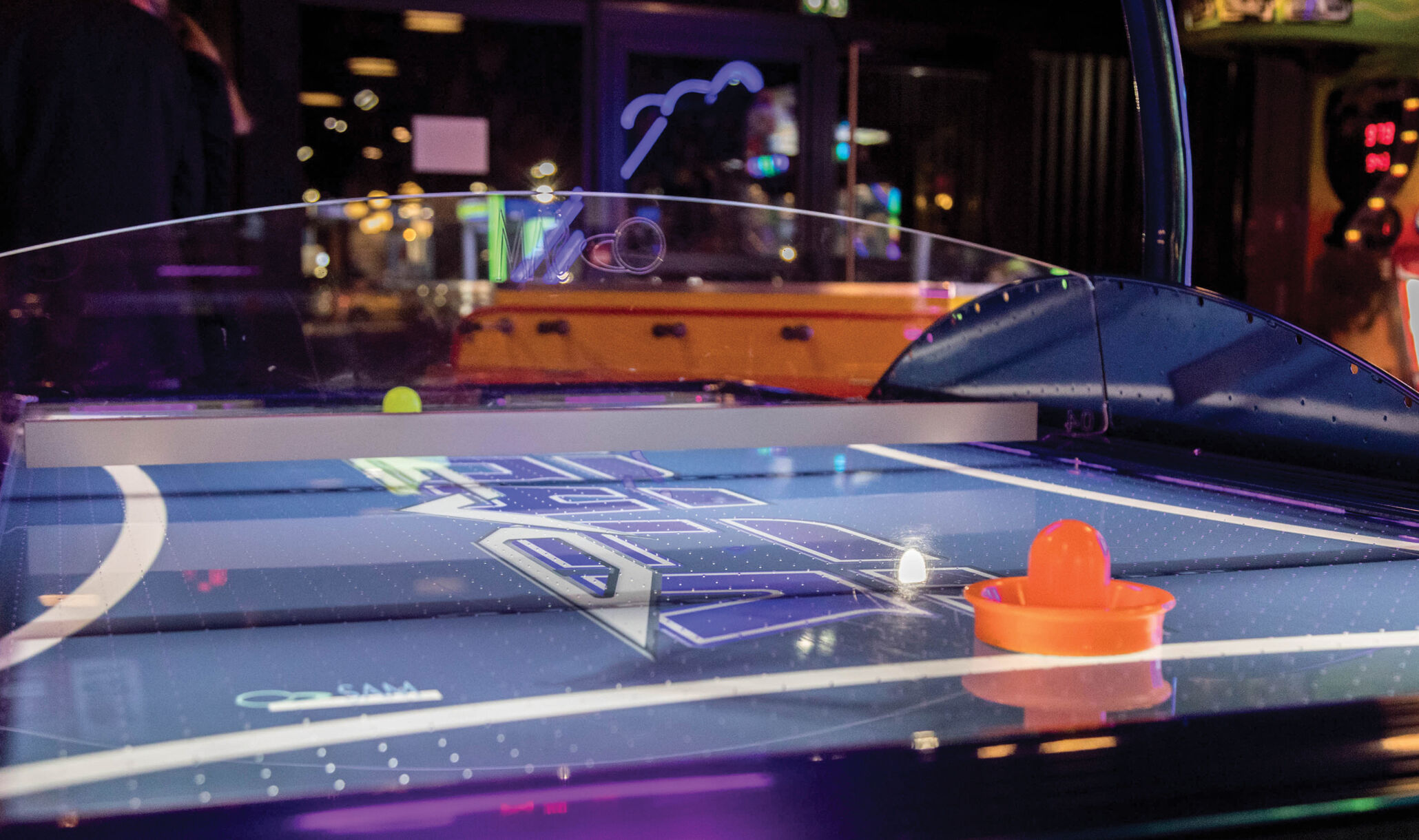 1055 Bourg, Bourg En Bresse, France - Air hockey-1