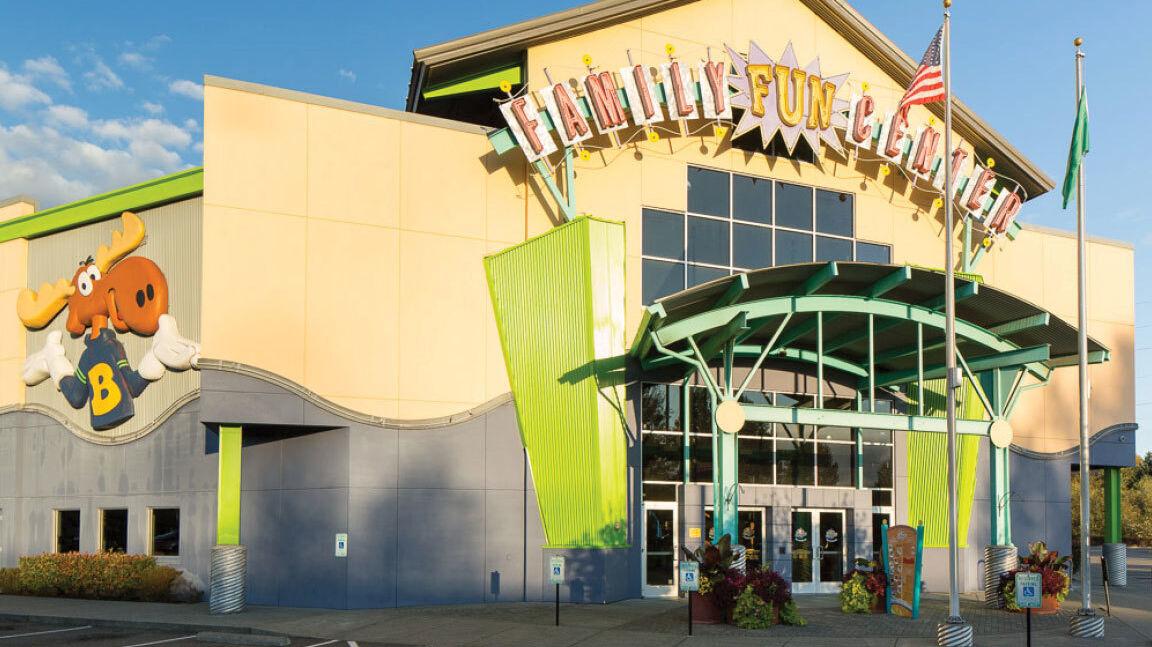 New Brunswick Bowling >> Tukwila Family Fun Center | Brunswick Bowling